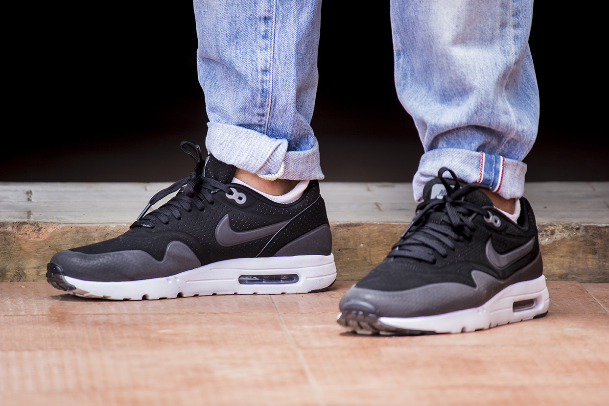 online store 302ef 691af Nike Air Max 1 Ultra Moire – On Feet Review (Light as, well ...