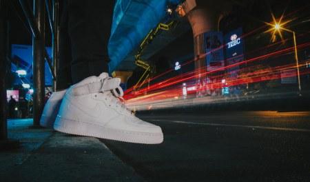 Nike Air Force 1 Triple White Mid