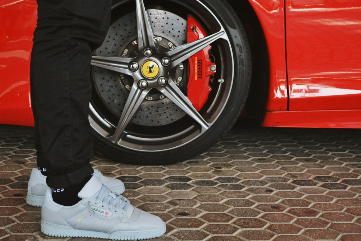 90097bbdb2e0c adidas Originals Yeezy Powerphase Calabasas – Is it worth the hype ...