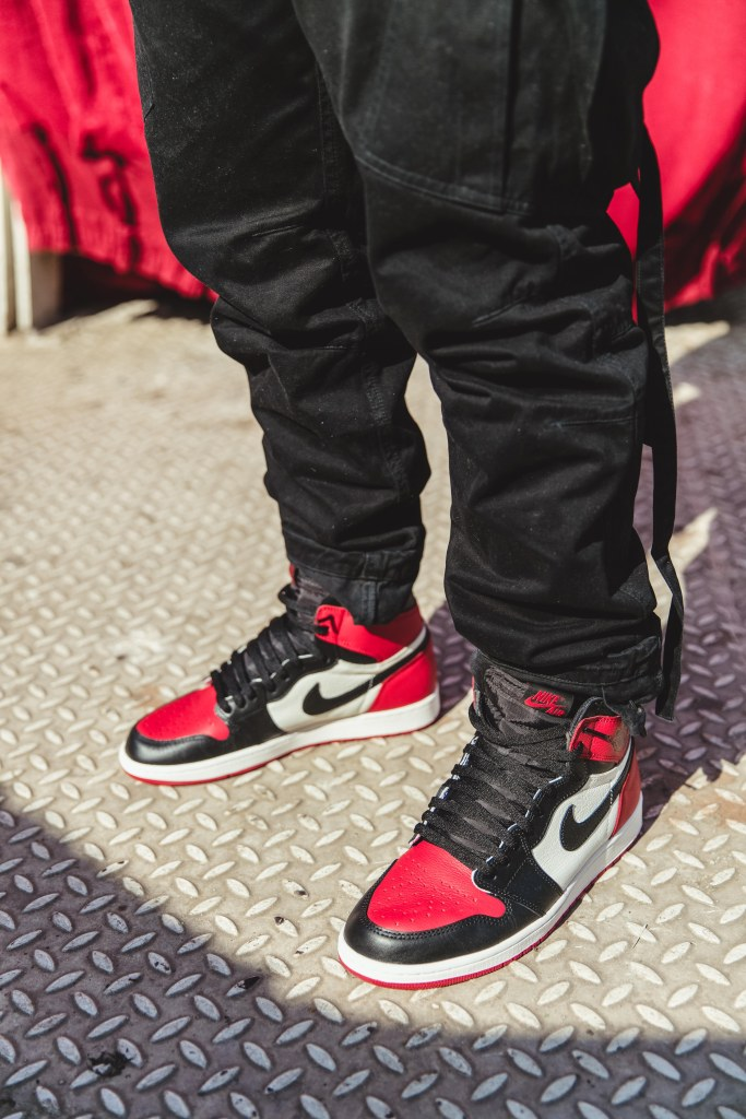 0b55890a1ac755 Streetwear Fit Of The Day – Air Jordan 1 Retro Bred Toe + Supreme ...