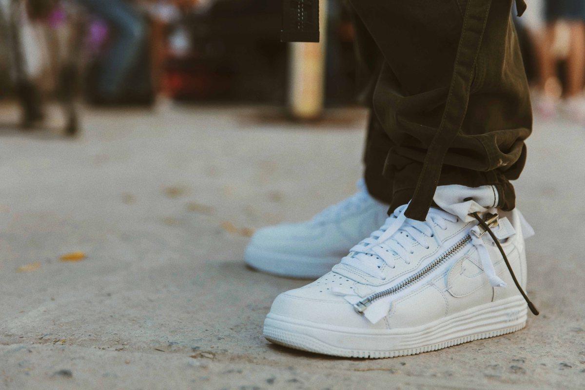 b6eed063f7d Streetwear Fit – ACRONYM Nike AF1