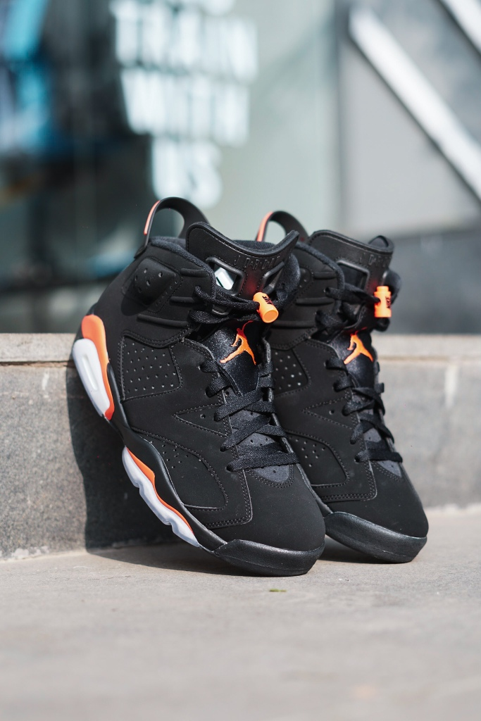 51335067dfa Nike Air branding makes a comeback, on the Air Jordan 6 Infrared ...