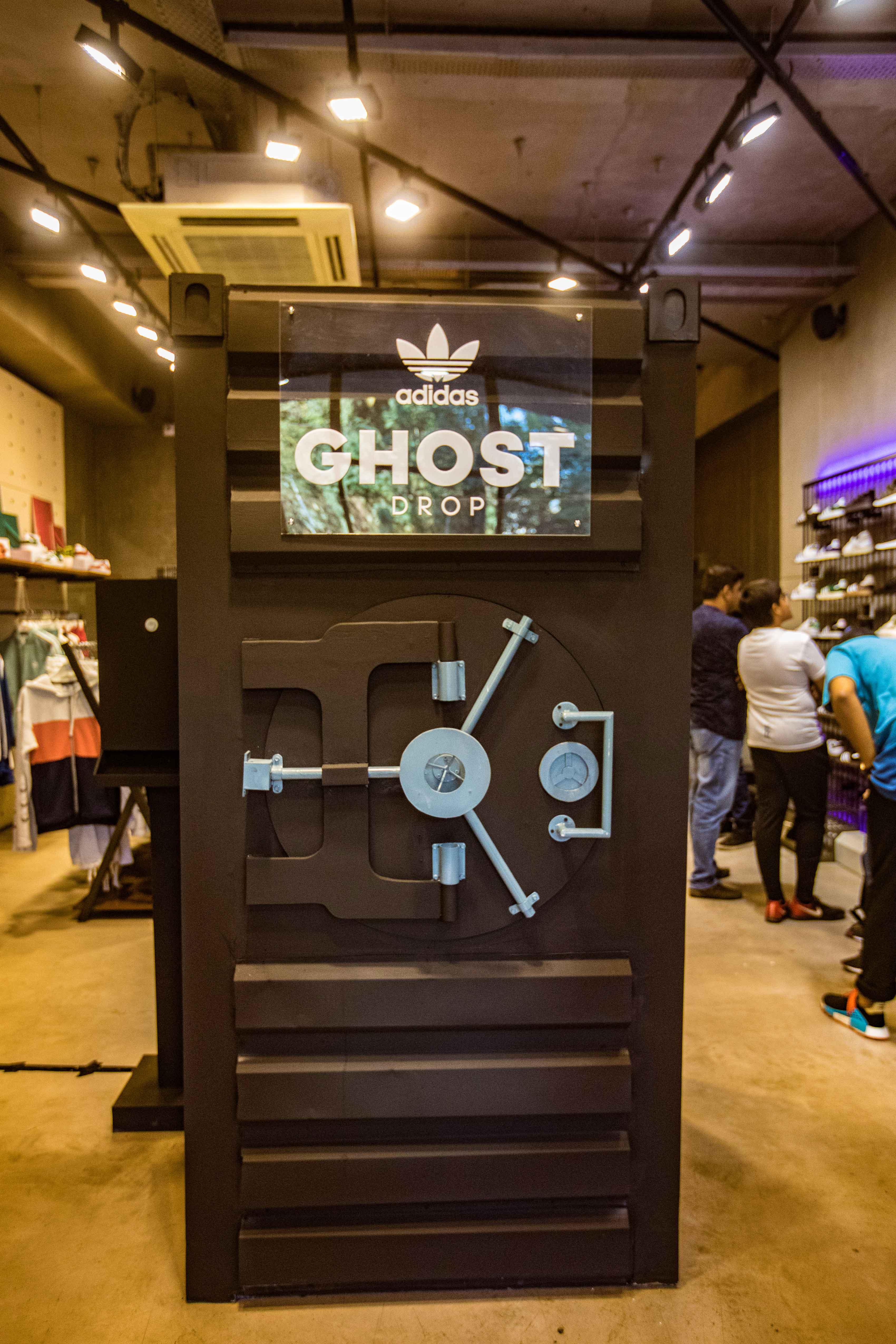 Adidas Originals Ghost Drop | bowties