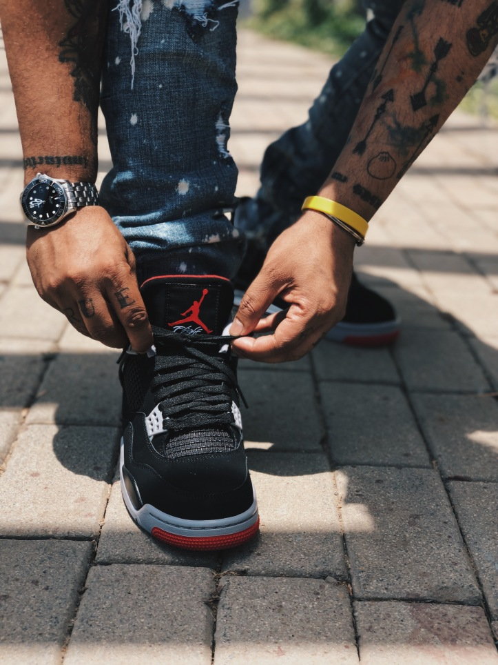 Air Jordan 4 Bred Black Cement